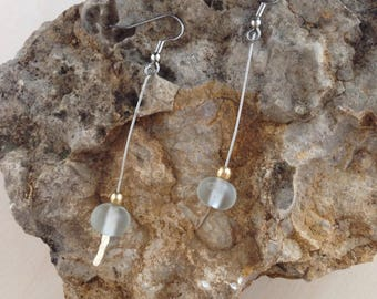 White drop earrings, glass, hammered wire, birthday , birthday gift