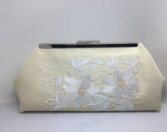 Ivory silk Bridal clutch/embroidered silk bridal purse/embellished bridal clutch/handmade silk clutch