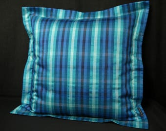 Pillow with Jetty from Bouretteseide 50 x 50