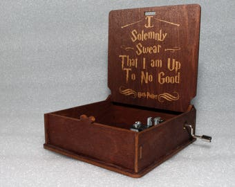 "Harry Potter - I Solemnly Swear That I Am Up To No Good - Engraved Wooden Music Box - ""Harry's Wondrous World"" - Hand Crank Movement"