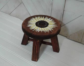 Handmade Dark Stained Plant Stand, Hand Painted Sunflower, Mini Stool, Small Stool, Plant Stand,  Made of Pine, 4 Legged Stool, Decoration +