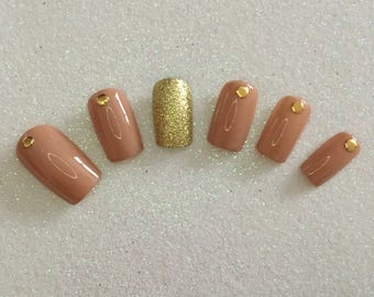 READY TO SHIP * Gold & Nude Press On Nails * Fale Nails * False Nails