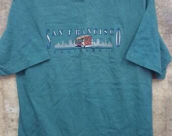 Free Shipping !!! Vintage San Francisco California T-Shirt Medium Size