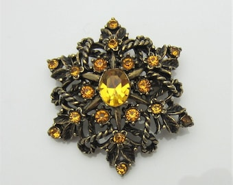 Vintage Costume Jewellery Brooch Pin Orange Faceted Glass Stones Signed Jewelcraft Star Leaves Design Burnished Gold Tone Metal 1950s