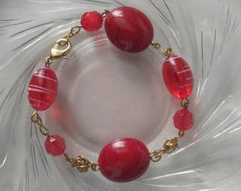 Friendship Bracelet, Girlfriend Bracelet, Gift for her, Red beaded wire wrapped Bracelet
