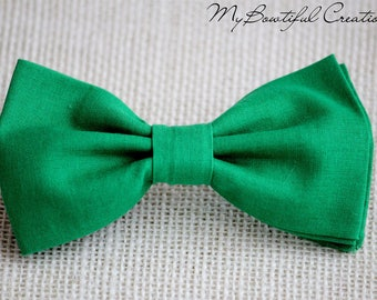 Emerald green bow tie, green bow tie, summer boy bow tie, bow tie for ringbearer, kids green bow tie, green bow tie for men