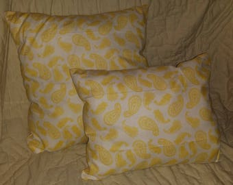 Stuffed Yellow Pattern Throw Pillow