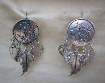 Silver earrings and 5 charms