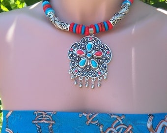 Handcrafted metal Necklace