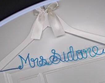 Personalized Wedding Hanger, Bridal Hanger, Bride Bridesmaid Wire Name Dress Hanger, Custom Wedding Hanger, Bridal Wedding Shower Gift