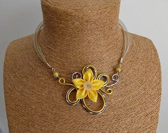 Yellow aluminum pendant necklace / engraved grey and satin flower