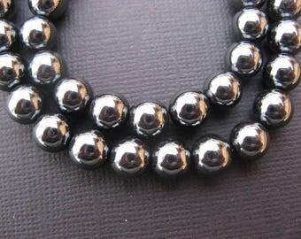 Hematite 8 mm: 15 8 mm round beads - gemstones