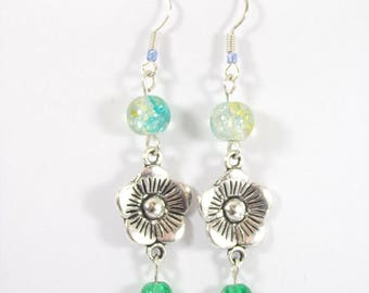 Earrings silver metal for cracked glass green shade flower connector beads.