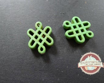 2 Chinese knots beads ethnic 15x20mm green howlite