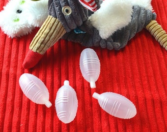 POUET POUET LONG 30 * 60mm inserted into a toy or stuffed animal