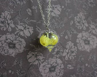 Necklace 77 cm + pendant drop of resin and yellow mini dried flowers helichrysum inclusion