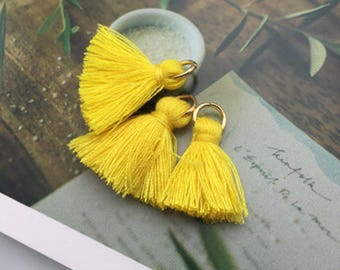 Yellow / Pompom with ring detachable 2cm