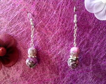 grey marbled earrings pink