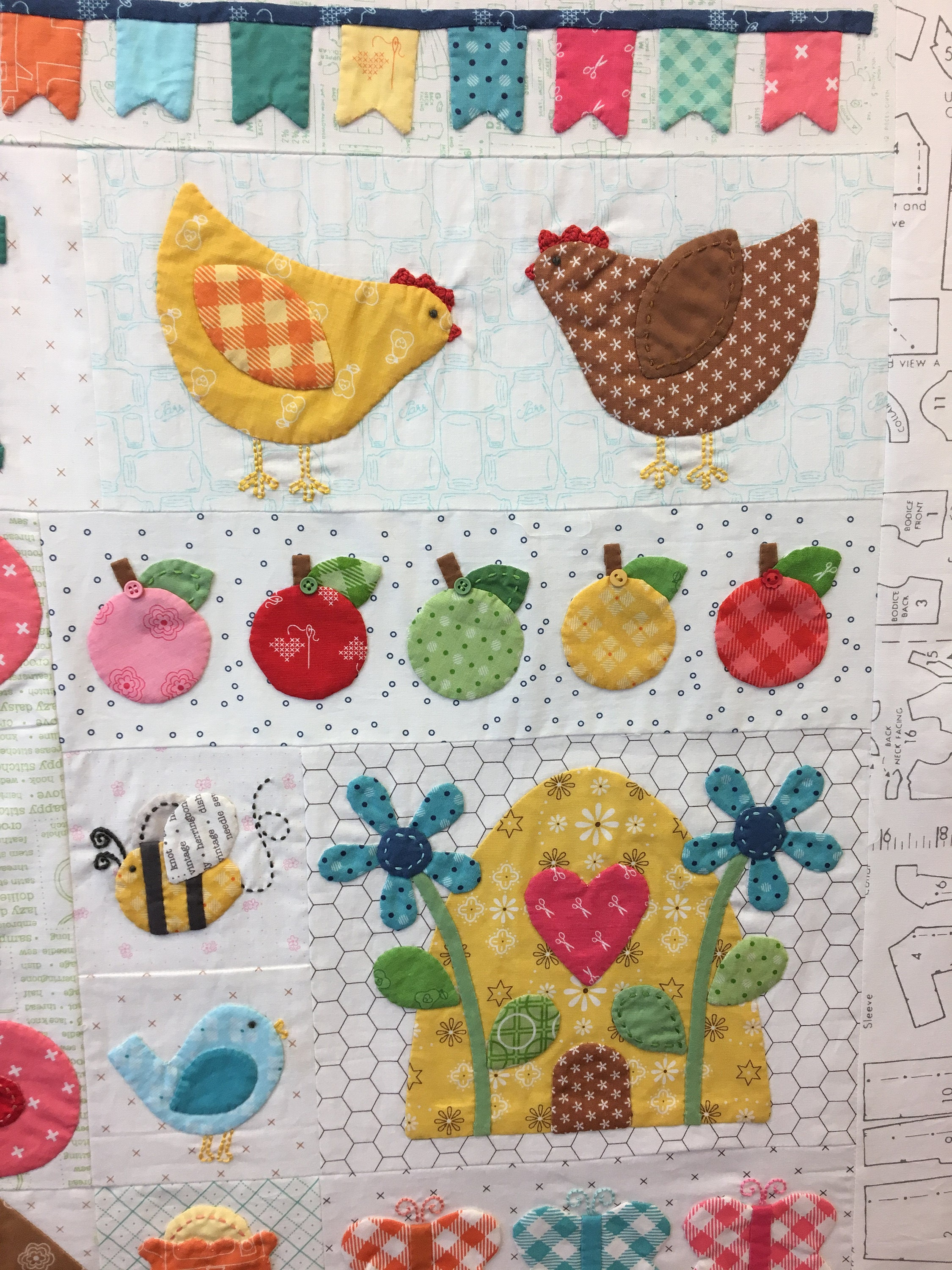Bee Happy Quilt Kit By Lori Holt From Ellakatesquiltshoppe