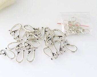 17 hooks silver metal clasps