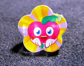 Strawberry button shaped flower 25mm