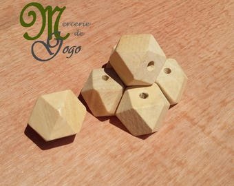 Wooden Hexagon bead natural 2 * 2 cm.