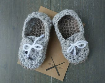 READY TO SHIP | Crochet Baby booties boat shoes | baby boy | 6-9mo | grey with brown soles and white laces