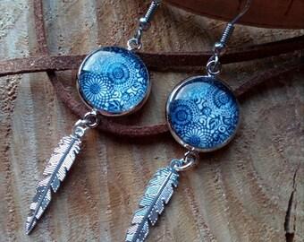 Blue cabochon earring