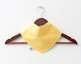 Yellow , white %100 cotton bib