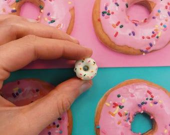 Donut Pin