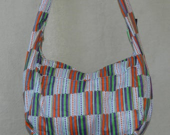 Shoulder bag in cotton African wax geometric zip closure