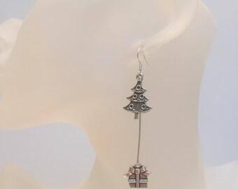 Gift and Christmas tree earrings