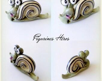 Auguste funny snail figurine