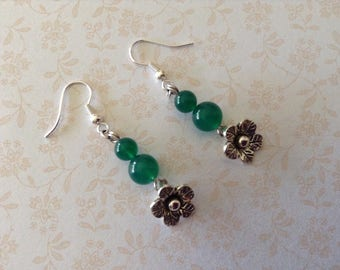 Metal flowers green agate stone earrings