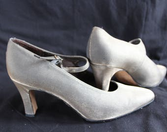 vintage Etienne Aigner bronze shimmer heels
