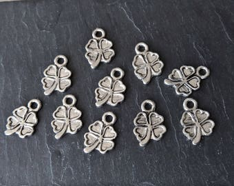 20 charms 17mm O35 4 leaf clover pendant charms