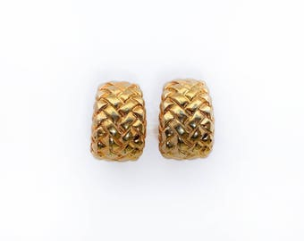 Gilded earrings with interlaced figures. Accessories Ideal for women