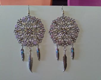 Earrings prints filigree flower and feathers