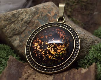 """Land of fire"" pendant nice chipping"