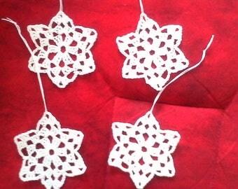 4 small white stars crochet