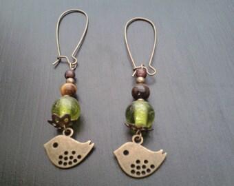 earring bronze bird and green beads