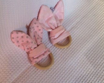 Rattle ear rabbit girl pink