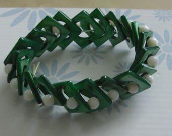 Vintage Green Pearl elastic bracelet
