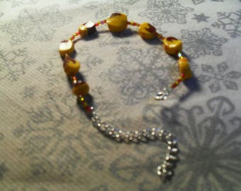 very nice bracelet unique, handmade and original yellow and Burgundy