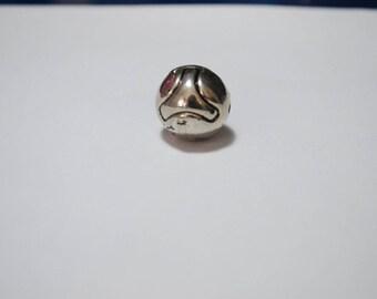 Large metal plastifie.19 mm round bead