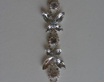 between two rhinestone Butterfly silver 9 cm