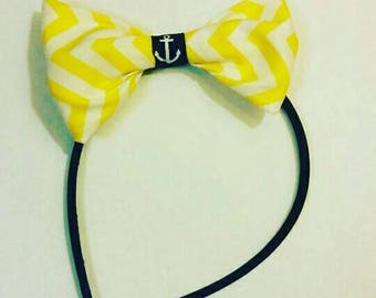 Head band with bow