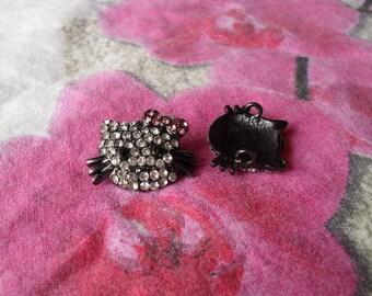 Black kitty head rhinestone connector 17 x 17