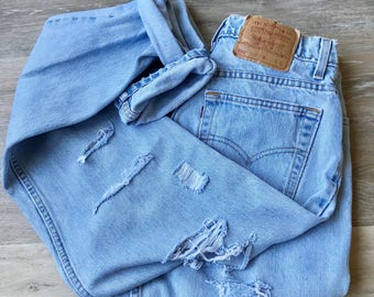 Vintage Levi's 550 High Waisted Distressed 90's Mom Jeans