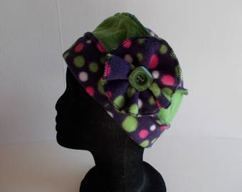 Hat toque in Apple green and purple fleece with polka dots